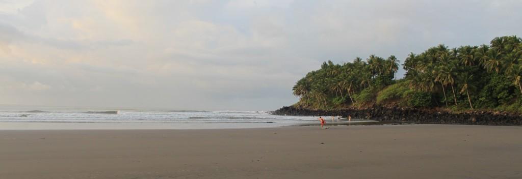 Surfing Las Flores