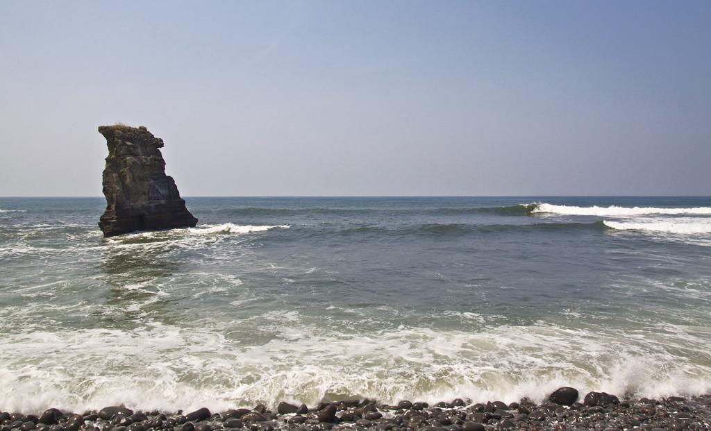 mizata pointbreak, surfing el Salvador