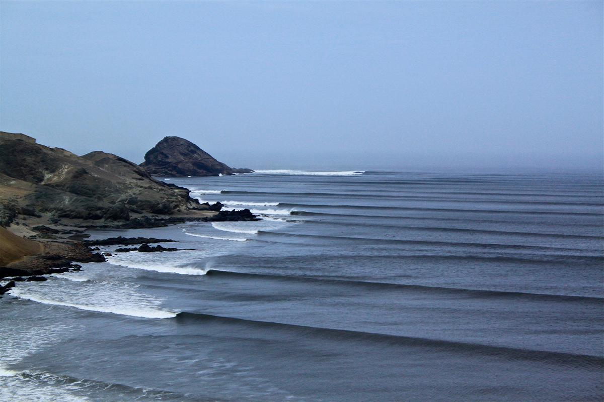 Chicama surfing peru ©thefreesurfer.com