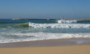 Molhe leste peniche surfing portugal ©thefreesurfer.com