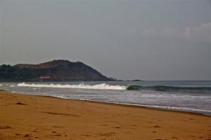Gokarna beachbreak surfing india ©thefreesurfer.com
