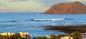 rocky point fuerteventura. Maybe on of the most famous winter surf trips? ©thefreesurfer.com
