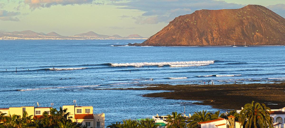 surfing fuerteventura rocky point fuerteventura ©thefreesurfer.com