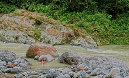 Bukit Lawang jungle trek thefreesurfer.com swim river