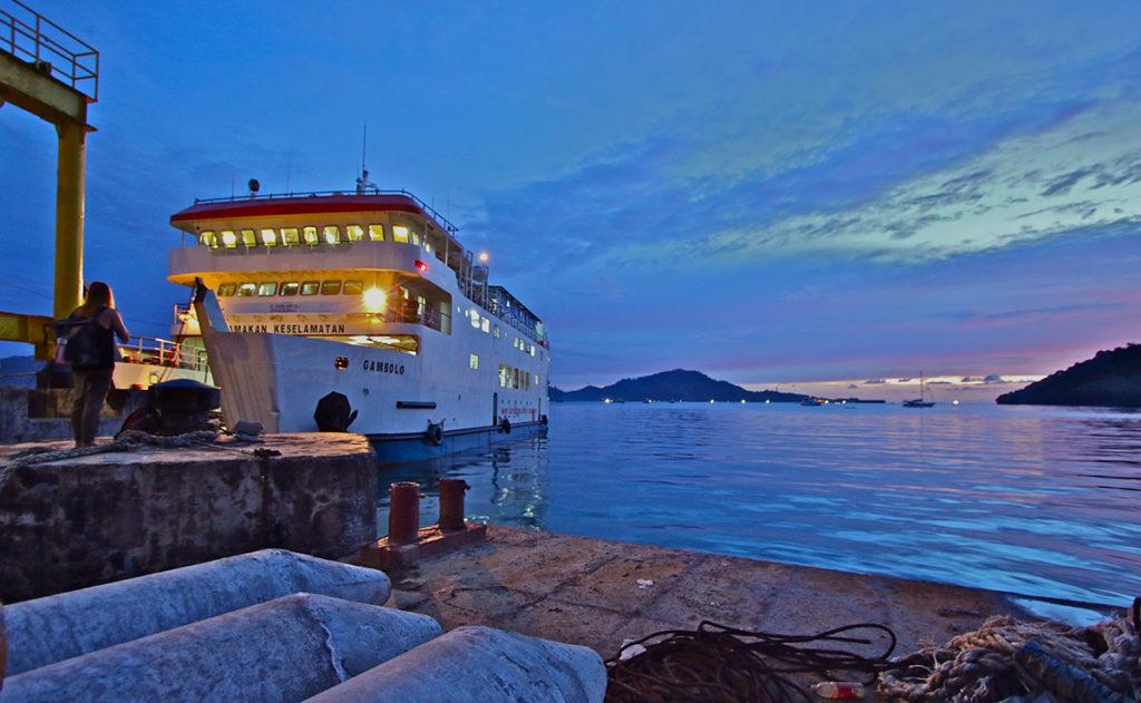 gambolo ferry mentawai budget surftrip thefreesurfer.com