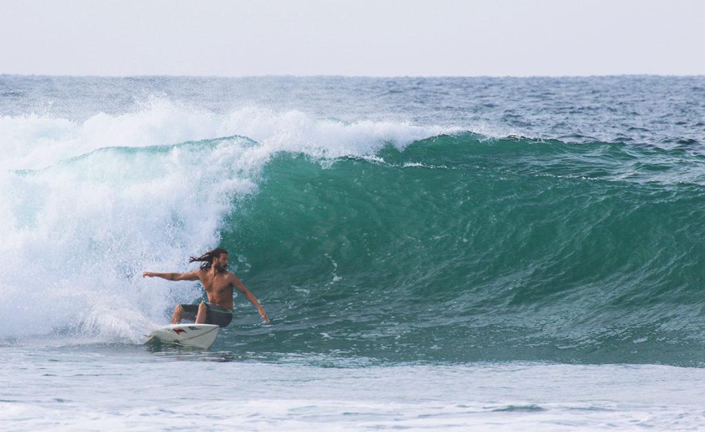Semente surfboard in Sri Lanka with thefreesurfer.com