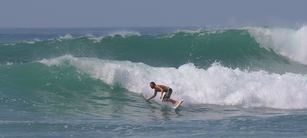 surfing sri lanka winter
