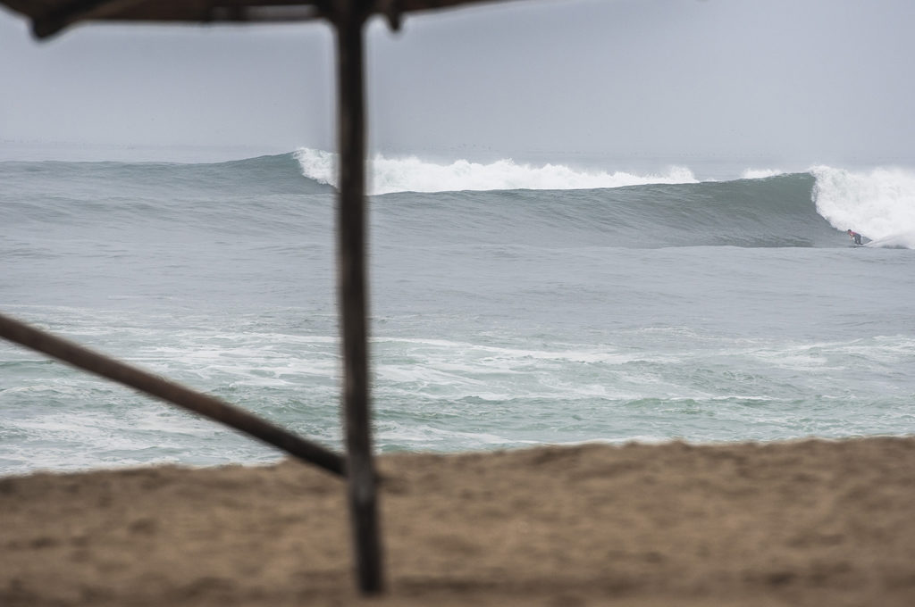 Typical autumn swell in the South ©Rommel Gonzales