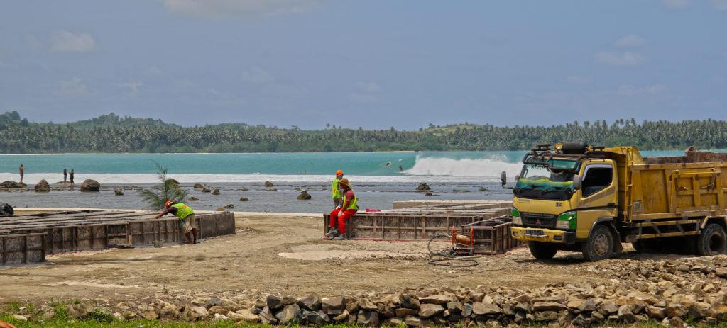 nias destruction lagundri ©thefreesurfer.com