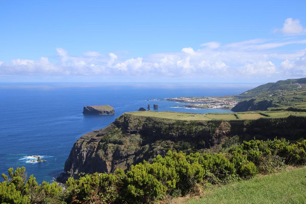 Surfing the Azores, Mosteiros, ©thefreesurfer.com