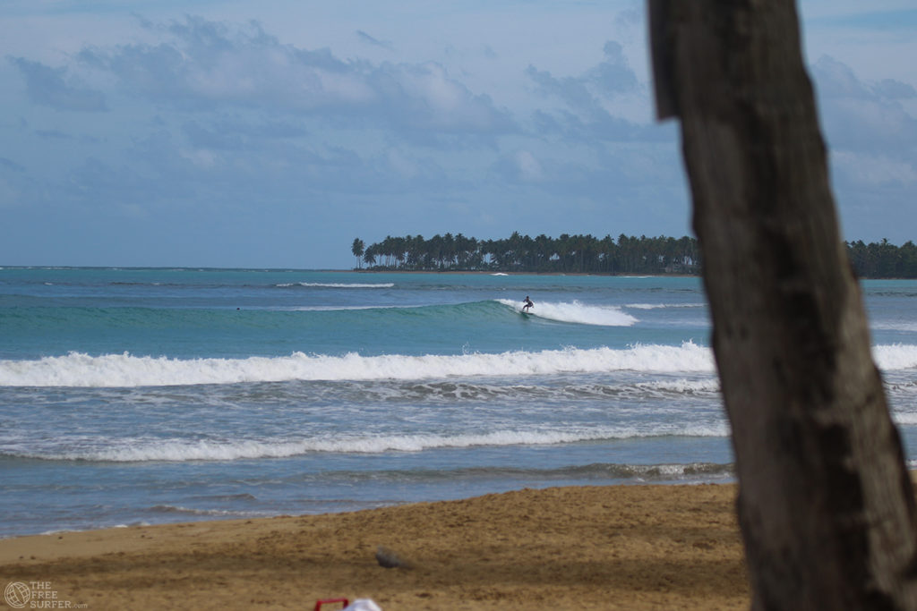 easy wave pointbreak surf dominican republic